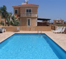 Cyprus villa with poo